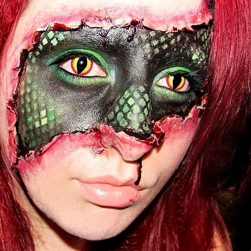 Aterrador maquillaje para Halloween de chica reptíl