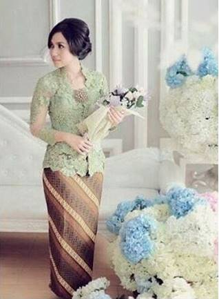 model kebaya batik modis