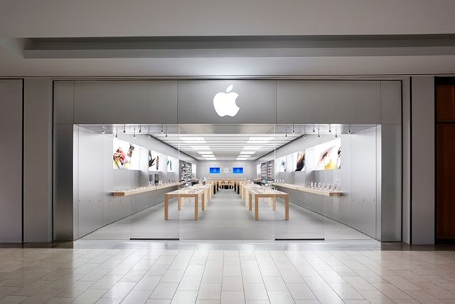apple-store-natick The next decade could be the beginning of the end for iPhone Technology