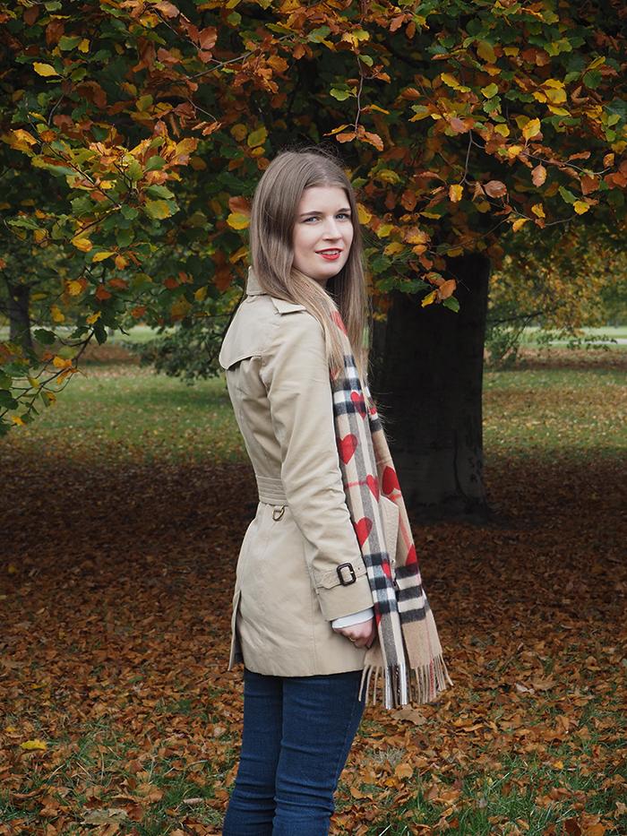 burberry heart scarf fashion bloggers