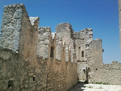 rocca calascio mura