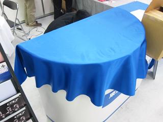 半円型のテーブルクロスの写真