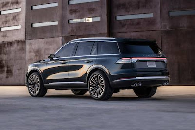 2020 Lincoln Aviator Luxury SUV: Prices, specs and Photos