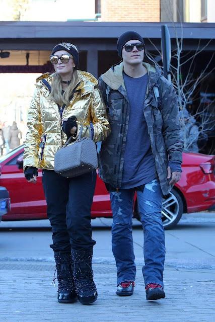 Paris Hilton and Chris Zylka Stroll Pic