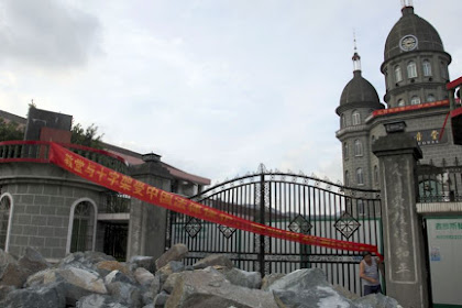 China Tangkap Umat Kristen dan Tutup Gereja Sebelum Natal, Yang Koar-koar Radikal dan Intoleran Disini MINGKEM!