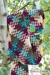 Crochet Yarn Pooling : Crochet Scarf- Color Pooling by Over The Apple Tree