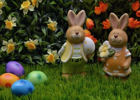 A picture of easter bunnies and eggs.
