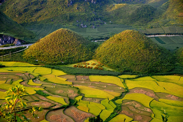 The Charming Beauty Of Nui Doi (Double Mountain) 1