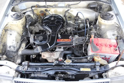 Foto Mesin Toyota Corolla SE Saloon