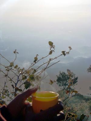 Pagi di Puncak Gunung Cikuray
