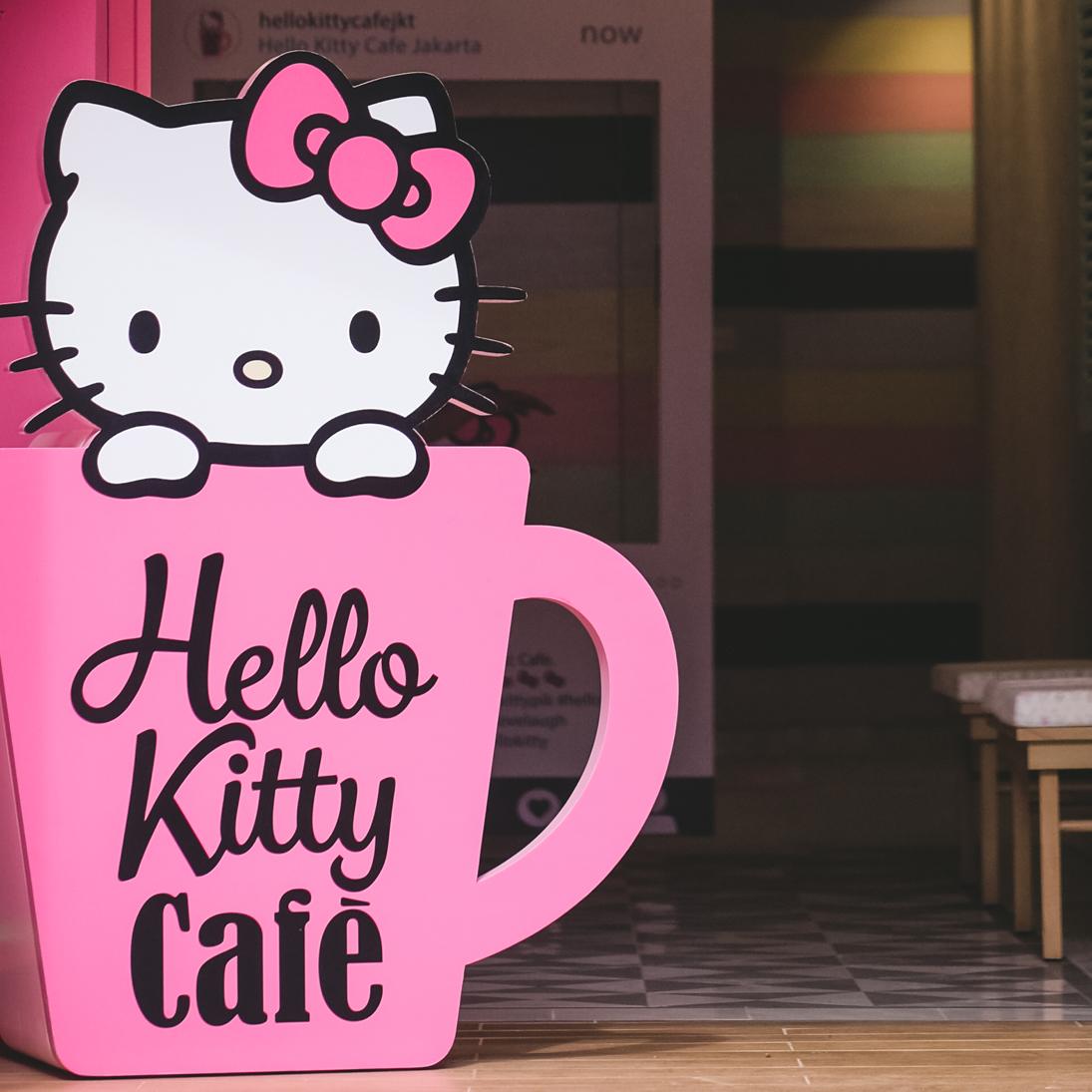 Hello Kitty Cafe Jakarta Novocom Top