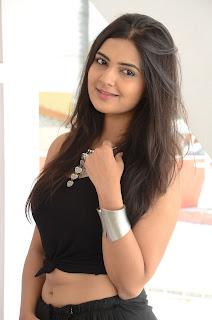 Actress Neha Deshpande Vajralukavaala Nayana Movie Opening  0007