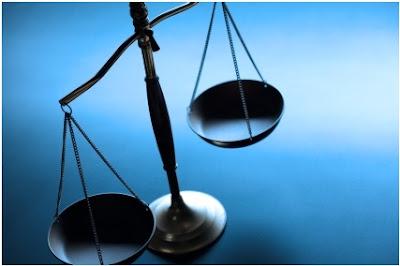لماذا يتعامل الجميع مع المحامي بحرص تام؟