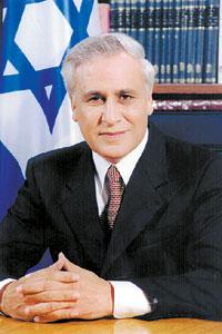 ISRAEL: Ex-presidente Preso por Violação