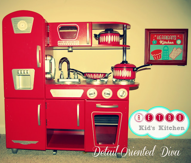 Retro Kids Kitchen: Retro Kid's Kitchen + Free-Printable