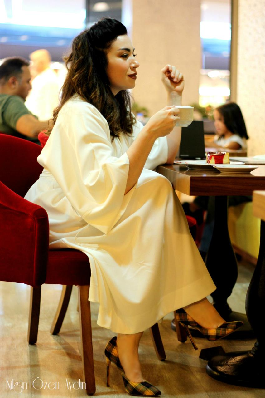 alışveriş-Beyaz Kimono Elbise ve Ekoseli Stiletto-fashion blogger-moda blogu