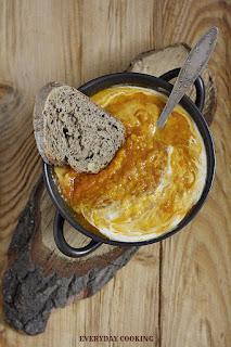 http://www.everydaycooking.pl/2012/10/zupa-z-pieczonej-dyni-i-pomidorow-z.html