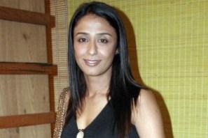 Achint Kaur (Pemeran Durga Devi Patel / DD)