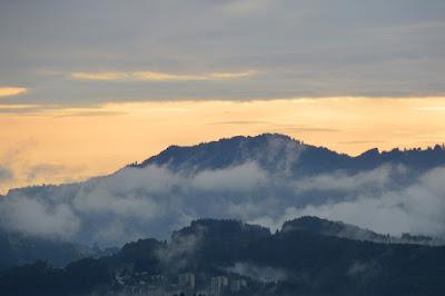 Allgaeu Alps Mountains Haze Sky Clouds Alpine 429528 - Καιρός 27-29 Δεκεμβρίου: Λίγες βροχές και χιόνια στα ορεινά.