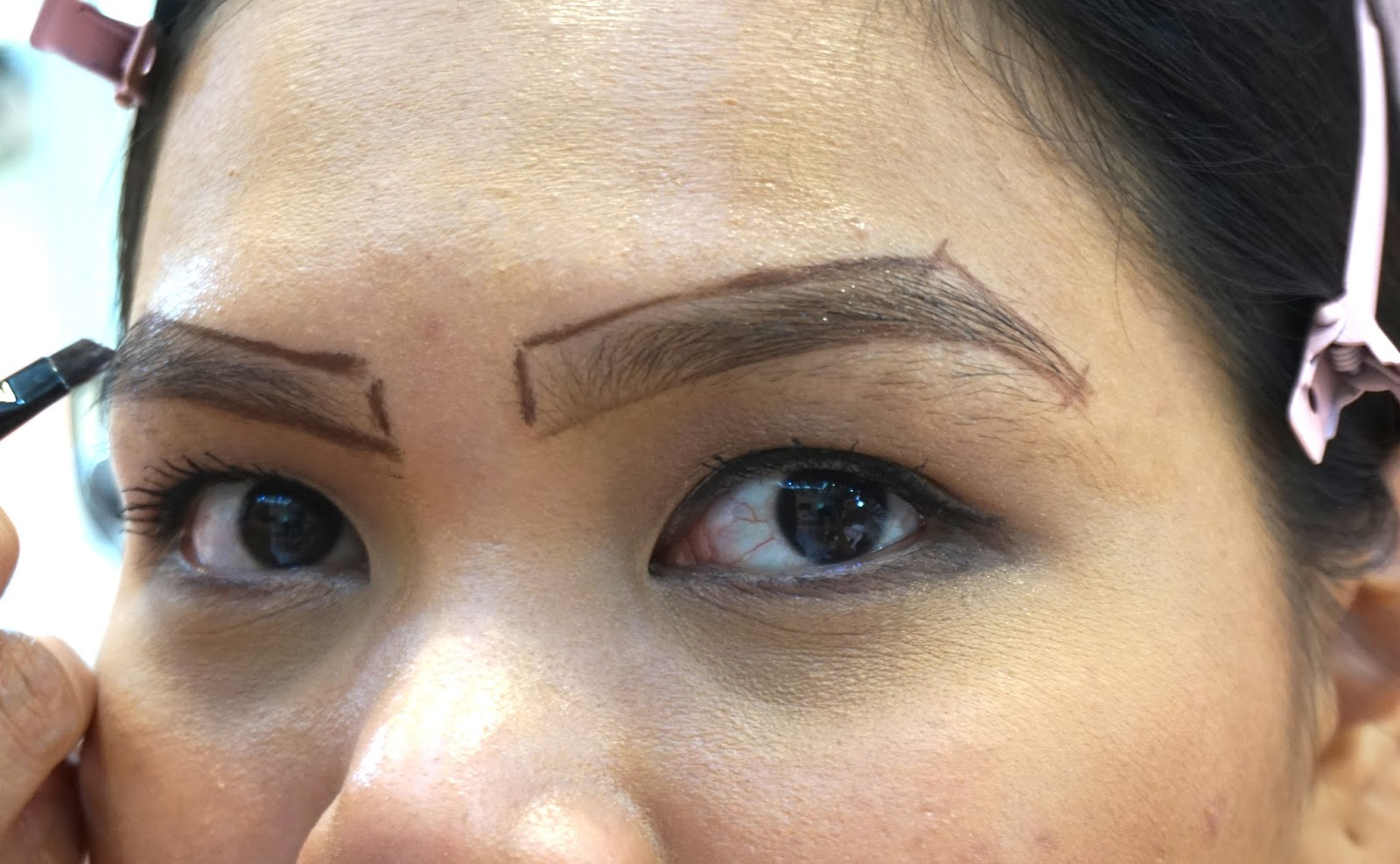 Redefining The Face Of Beauty The 5 Minute Facelift The Eyebrow