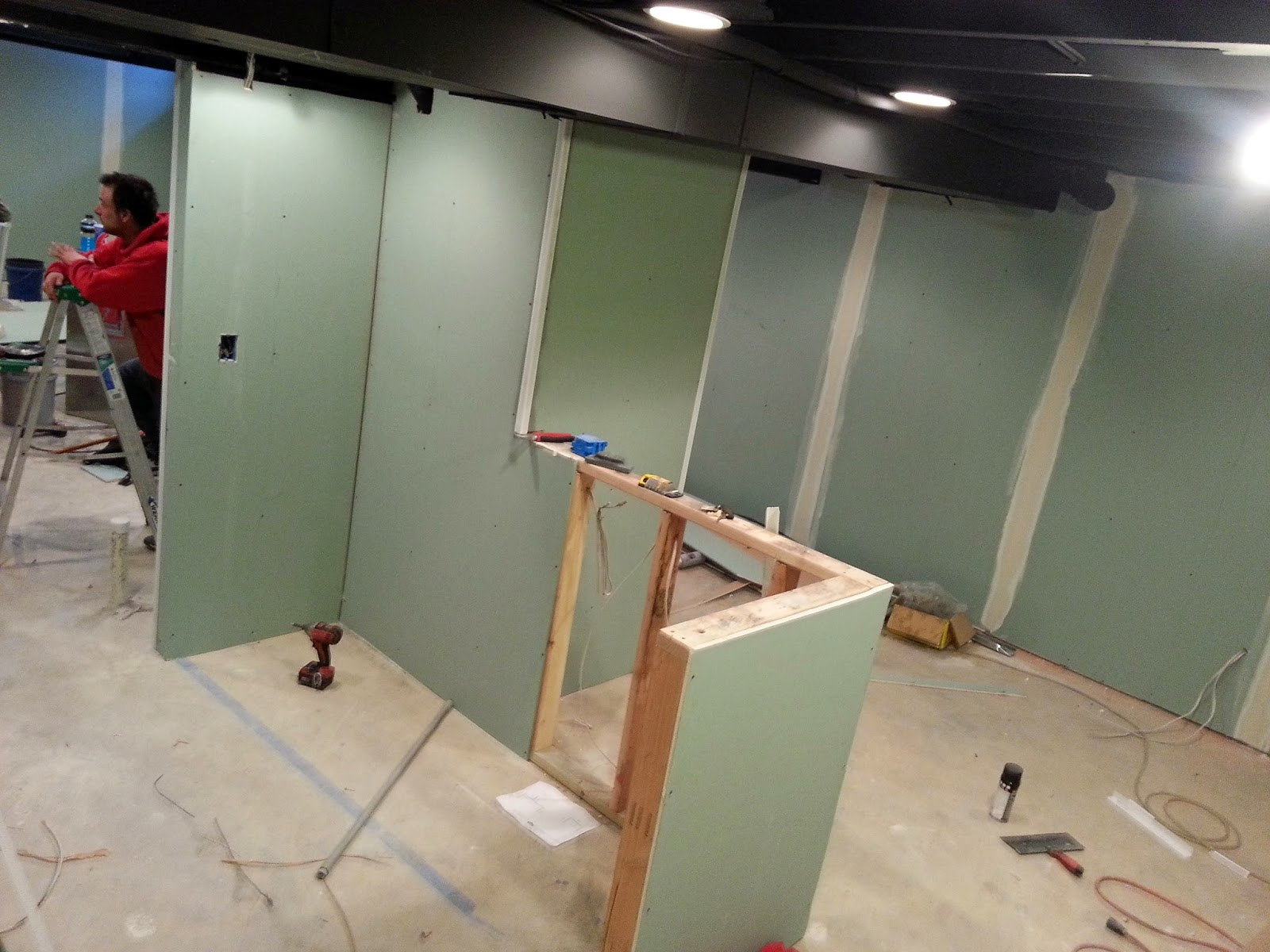 Basement Finishing | Drywall on Metal and Wood Studs