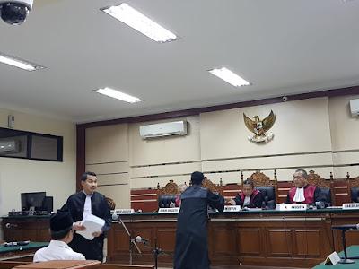 Walikota Mojokerto Dituntut 4 Tahun Penjara