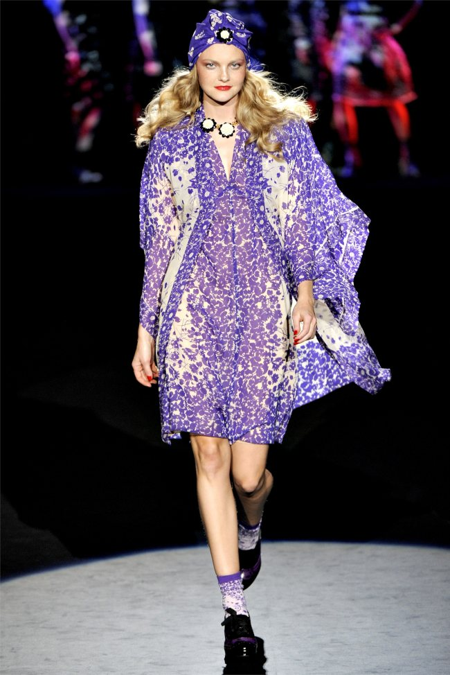This Italian It Girl Is Your New Style Muse: Anna Sui Spring/Summer 2012