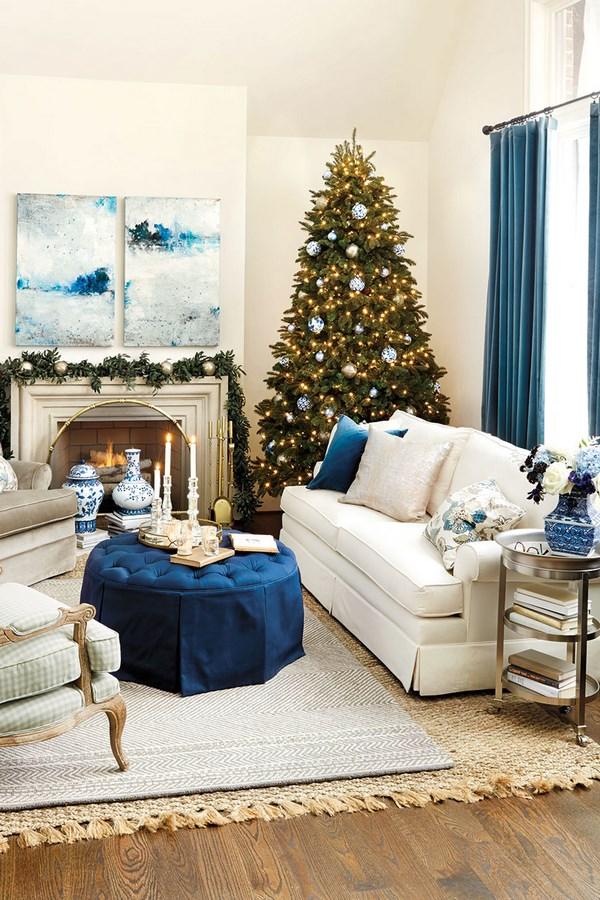 decorar tu casa con estilo navideo usando el color azul es posible busca adornos azules para el rbol y combina el verde pino y el azul creando una