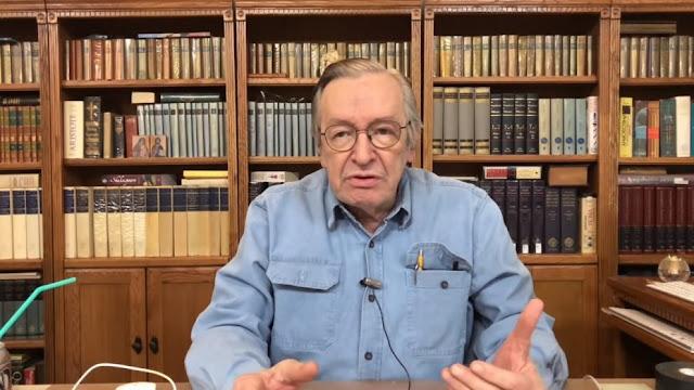 Professores destruíram o Brasil, segundo Olavo de Carvalho