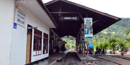 Melihat Koleksi Museum Kereta Api Sawahlunto