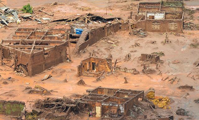 Bento Rodrigues destruído pela lama (Mariana, MG)