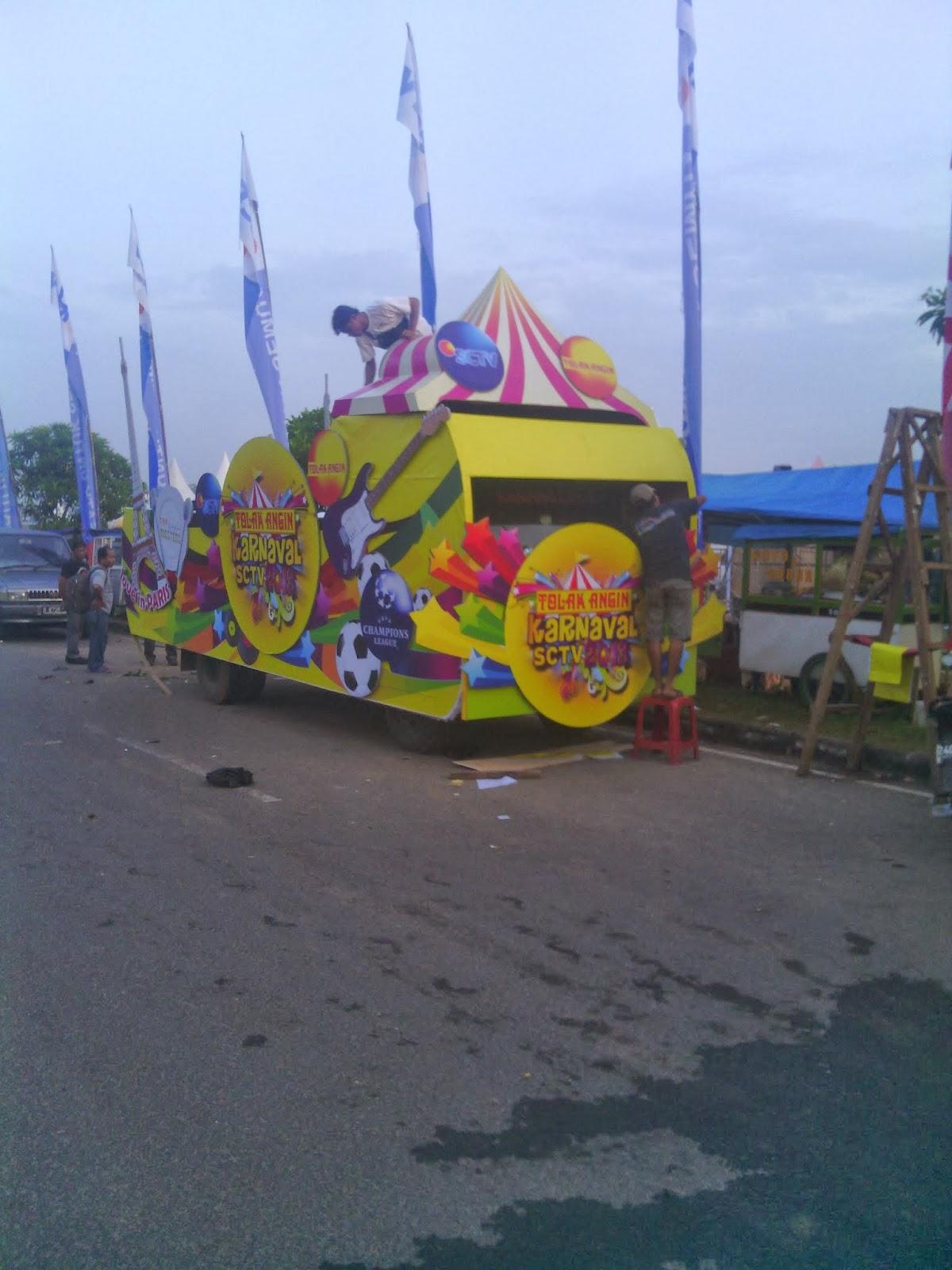 Dekorasi panggung set backdroop Karnaval SCTV Road Show