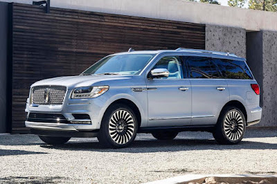 Lincoln Navigator (2018) Front Side