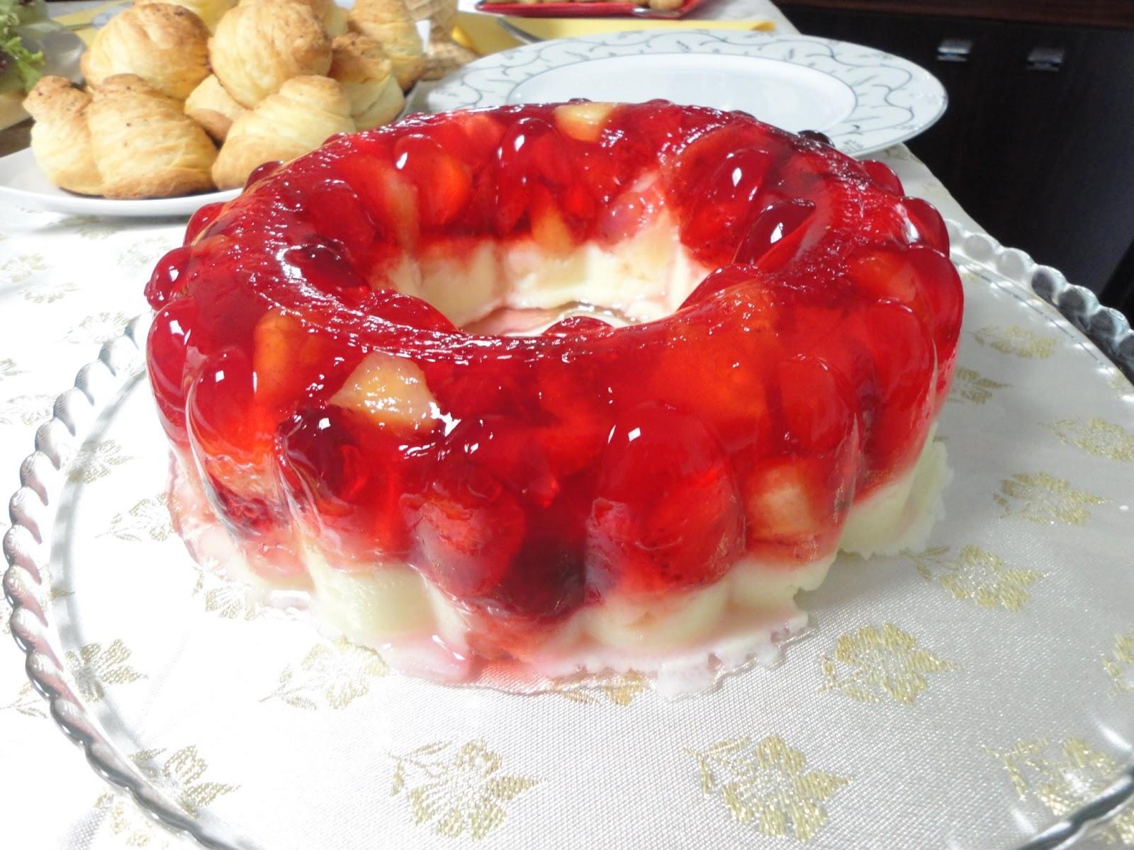 Meyveli İrmik Tatlısı