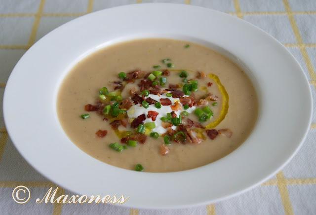 Суп-пюре из белой фасоли с хрустящим беконом