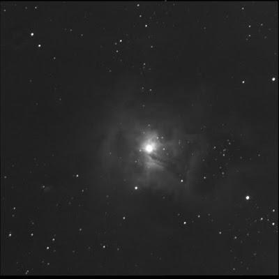 diffuse nebula NGC 7023 around double-star in luminance