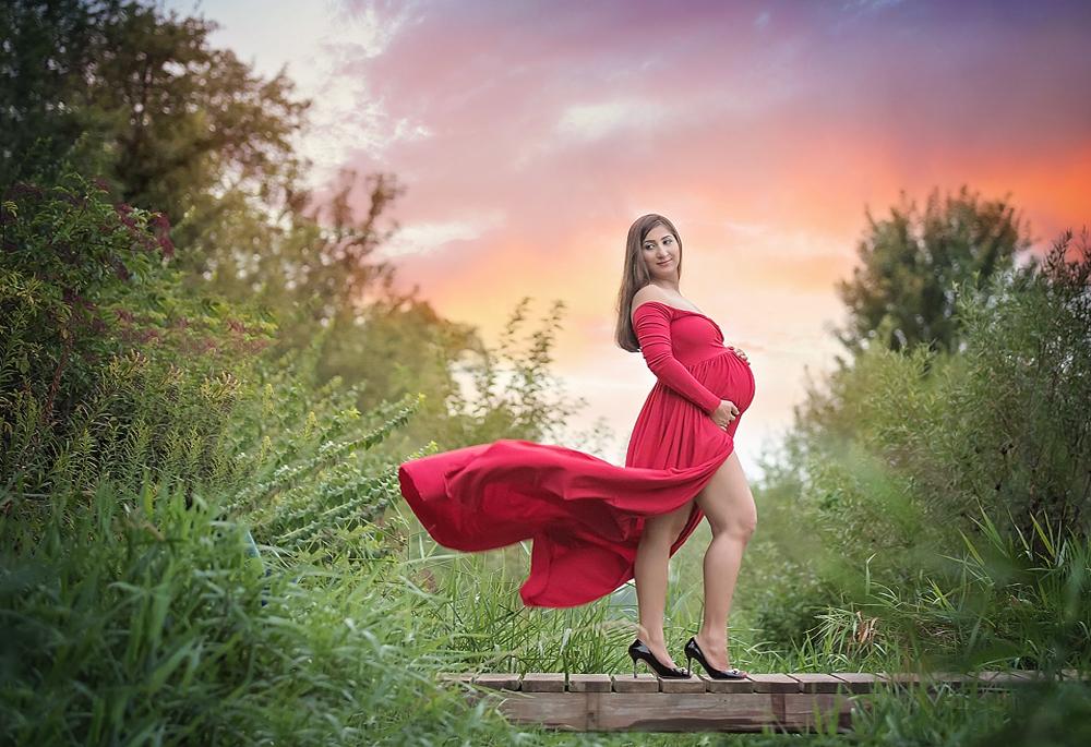 breath taking outdoor maternity image DeKalb, Sycamore, Rockford, IL