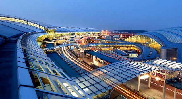 Top 10 Best World's Airports 2018