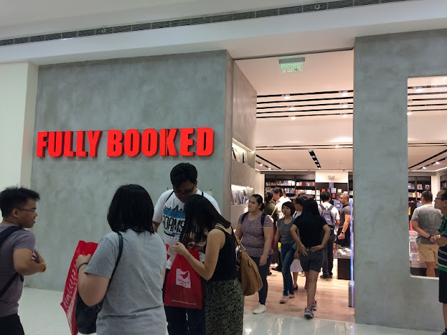 Fully Booked Mall of Asia