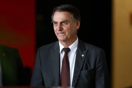 Bolsonaro quer aprofundar reforma trabalhista