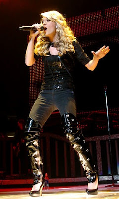 Celebrity Wallpaper Carrie Underwood In Boots