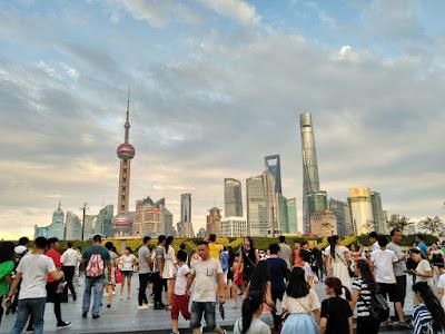 vistas de pudong desde el bund shanghai