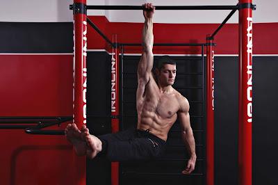 come sviluppare massa muscolare corpo libero