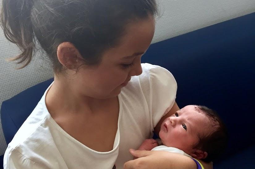 Vista del bebé recién nacido