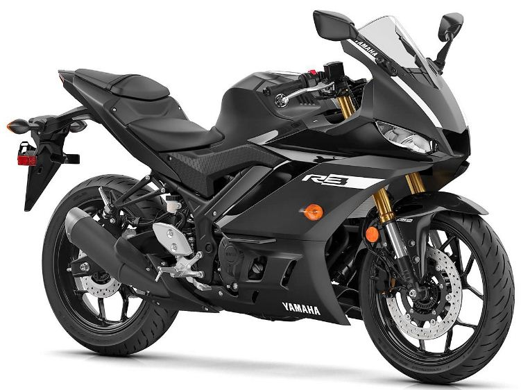 YZF-R3 review,the Yamaha YZF-R3 2019, renders the YZF-R3 2019 as a vigorous, sporty, aerodynamic look.tank style,headlamps, full LED taillights, body wrap, petrol tank styling