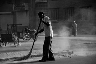 """स्वच्छ भारत अभियान"""" की कहानी झाड़ू की जुबानी"""