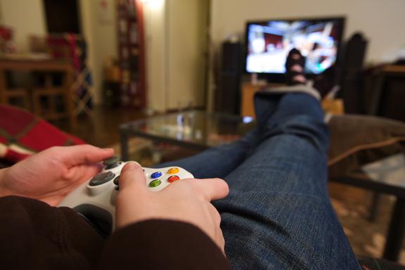 De acordo com o estudo da Global Web Index, seguem na tabela Wii U e PS4.