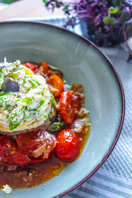 Pasta mit Ricottacreme und Tomatensoße