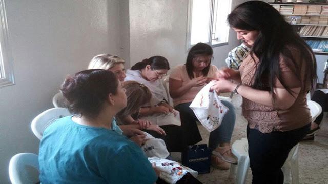 في السويداء نساء يمتهن التطريز ضمن مشروع إنتاجي تنموي.