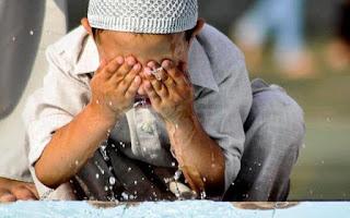 11 Amalan Sunnah dalam Masalah Wudhu Bagi Orang Islam